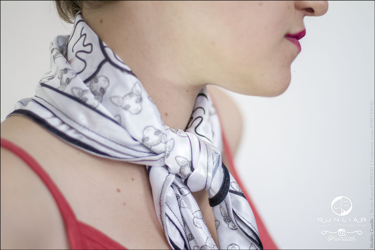 RUNLIAR Fashion Accessories _ SPHYNX CAT _ Square scarf/Foulard carré _ Camille.
